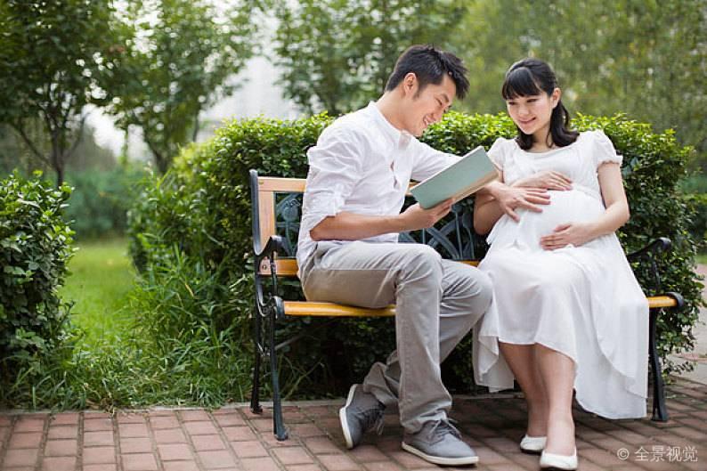 如何进行语言胎教?